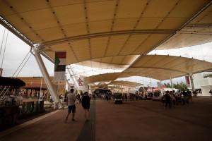 Expo - Decumano (voie est-ouest). Phot. Norio NAKAYAMA